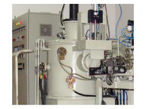 5自主知识产权的单晶熔炼设备